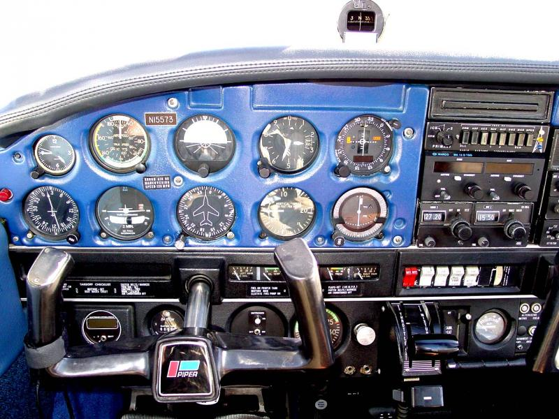 1972 Piper Cherokee 140 (150HP) panel
