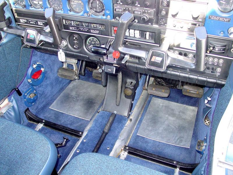 1972 Piper Cherokee 140 (150HP) Footwell