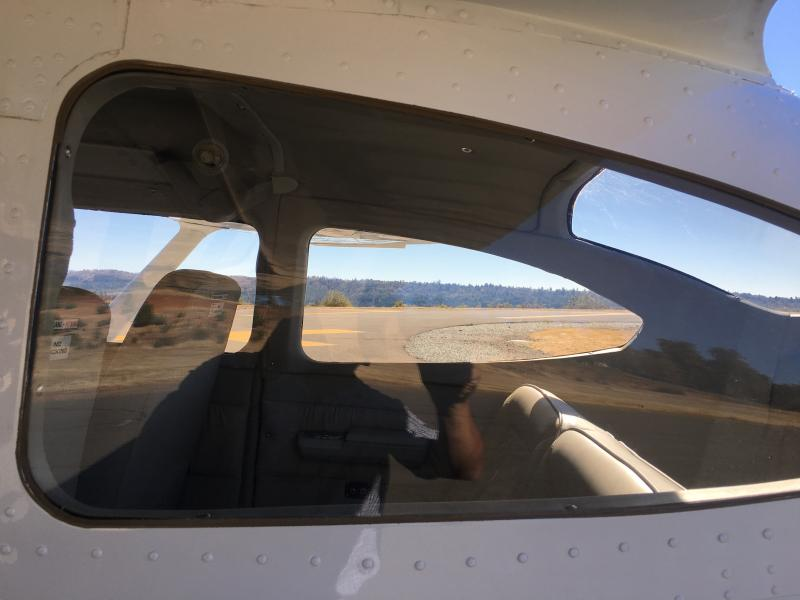 1972 Cessna 182P Skylane Windows