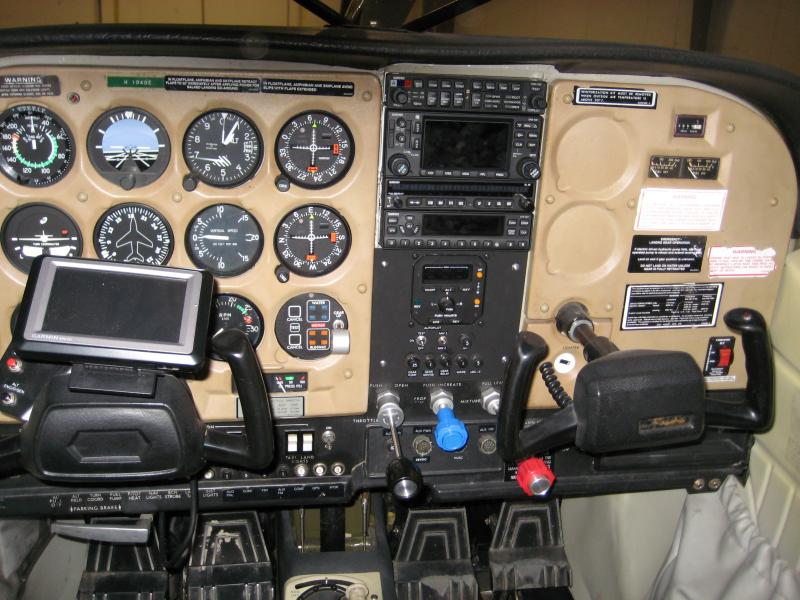 1980 Cessna A185F Skywagon Amphibian Panel