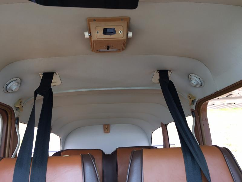 1981 Cessna A185F Skywagon Interior
