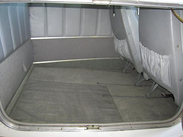 1971 Beechcraft F33A Baggage area