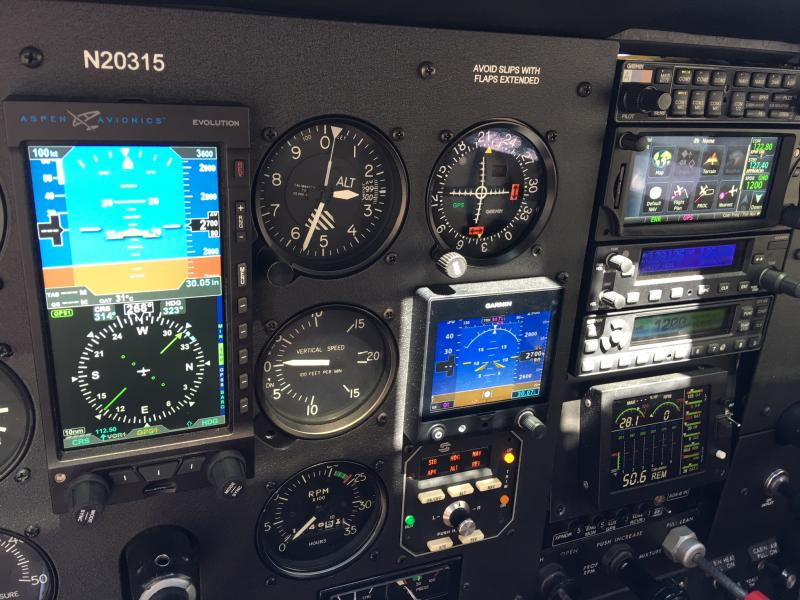 1981 Cessna 180K Skywagon Panel